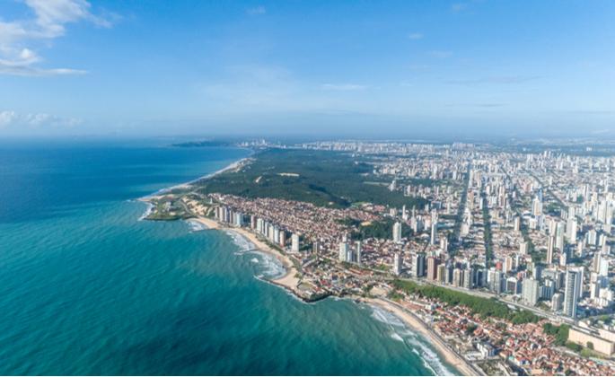 Praia de Natal em bairro residencial - CIMA