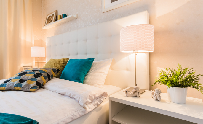 Iluminação adequada em quarto para mais conforto em casa - CIMA