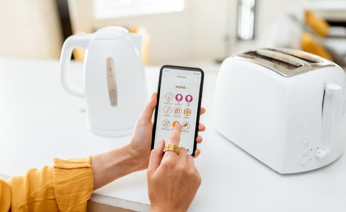 Uso do smartphone para controlar cozinha tecnológica - CIMA
