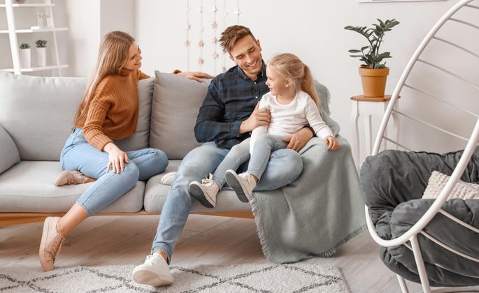 família reunida com conforto em casa - CIMA